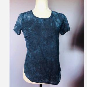 anthropologie blue checkered tie dye tee